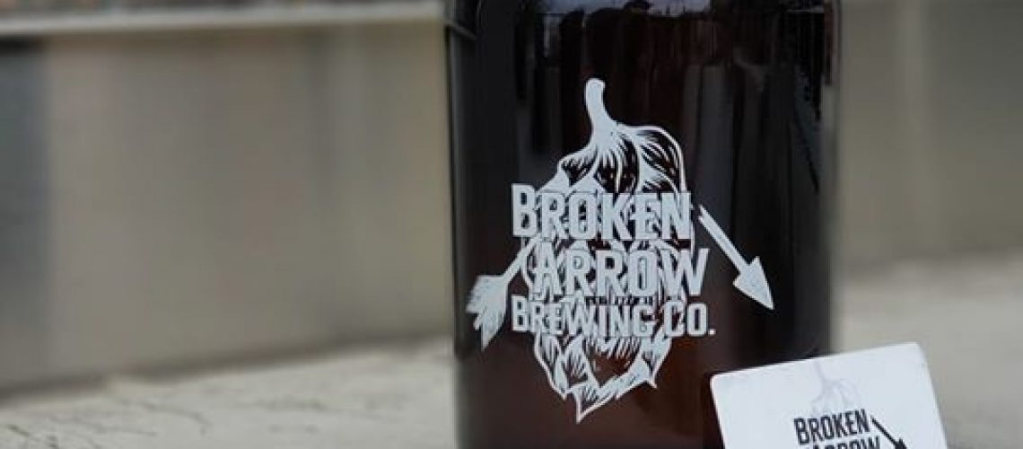 Growlers are back in stock! Growlers and gift cards are a perfect way to…