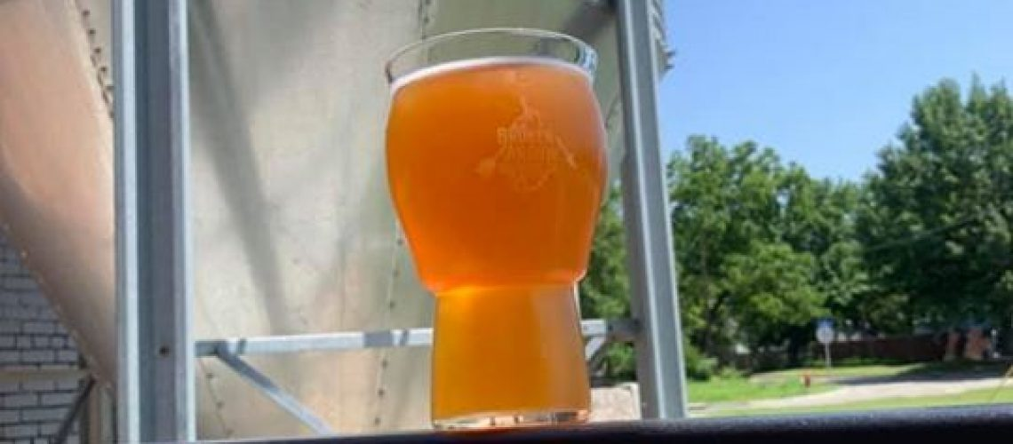 It's such a beautiful day-perfect for a pint of our Daydrinker on the patio!!…